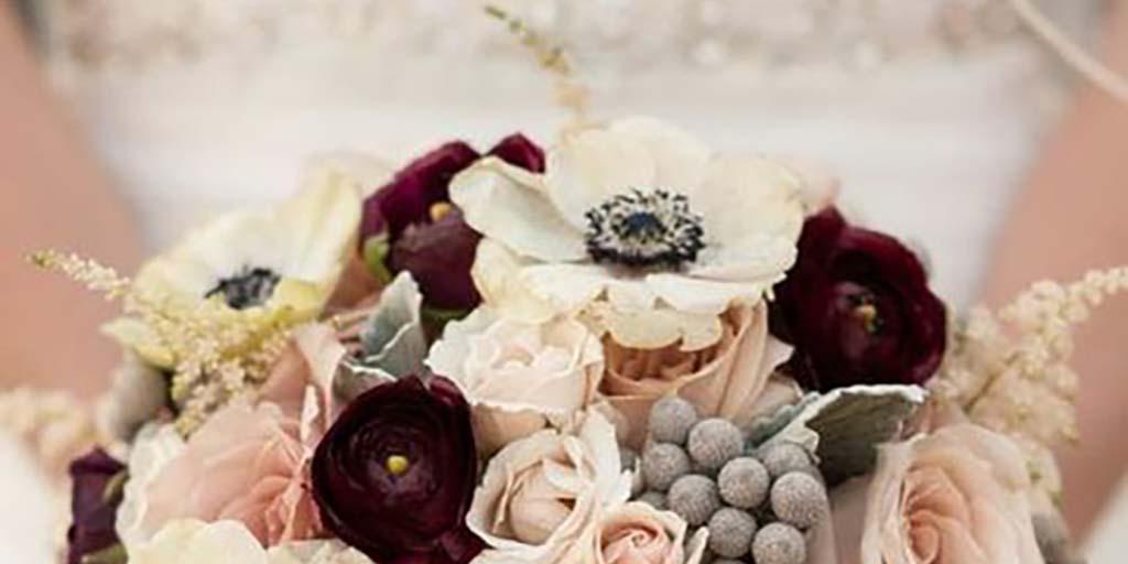Choosing Seasonal Wedding Flowers